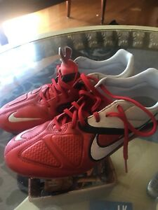 Soccer shoes Us size 8
