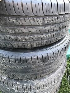Set of 4 michelins tires 235/60r18