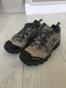 Gore Tex Hiking Boots (Size 7.5)