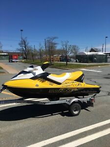 Rxt 215hp supercharged 60 hours new mvi excellent shape!