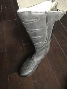 Ladies Icon leather motorcycle riding boots