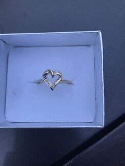 9ct solid gold diamond heart ring