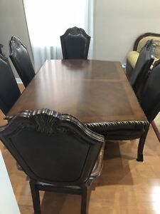 8 piece Dinning set for sale in Brampton