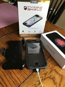 32 GB iPhone 6SE, black. Otter box & screen protector included