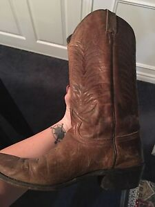 Woman's leather cowboy boots