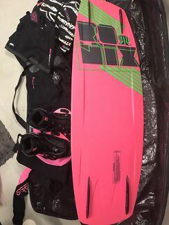 Women's wakeboard package