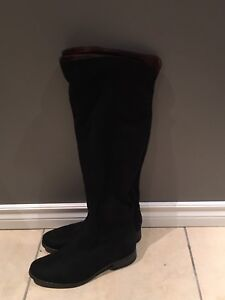 Over the knee flat black boots suede