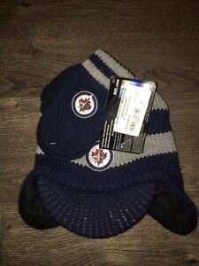 Winnipeg Jets hat and mitten set - brand new