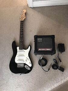 Fender Squire Mini Strat Electric Guitar with Amp
