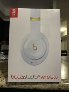 BNIB BEATS STUDIO 3 WIRELESS HEADPHONES (WHITE & GOLD)