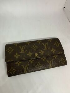AUTHENTIC LOUIS VUITTON ZIP SARAH MONOGRAM WALLET PAID $800!