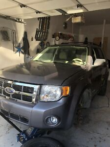 2008 Ford Escape AWD ( needs a transmission)