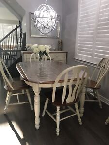 In New Condition Dining Room Set With Buffet