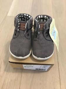 Baby Toddler Boy Unisex Toms Shoes Size 4! BNWT!!!