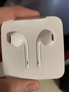 iPhone EarPods with Lighting Connecter iPhone 7,8, and X series