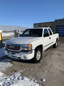 Selling 2007 GMC Sierra 1500 Nevada Edition sled optional