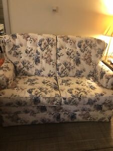 Bed Chesterfield - single!
