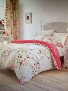 Twin Floral Duvet Set $25
