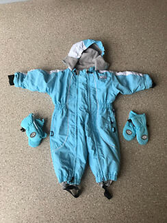 Ski suit size 1 with 2 pairs gloves