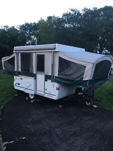 Clean Lightweight tent trailer for rent