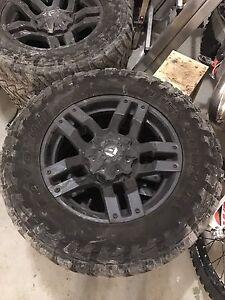 Toyo MT 35/12.5R20 (Tires + Rims)