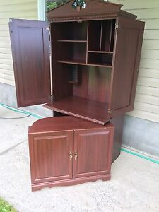 Nice cabinet with swing out desk.
