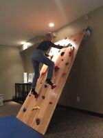 Adjustable climbing wall