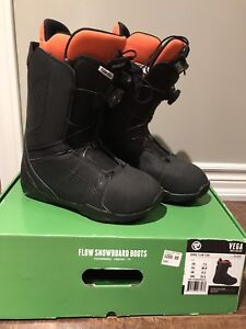 FLOW snow board boots