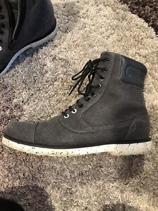 Lightly Used Teva Canvas Boots
