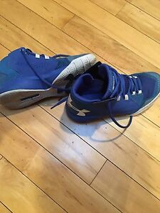 Almost new Under Armour shoes size 6Y.