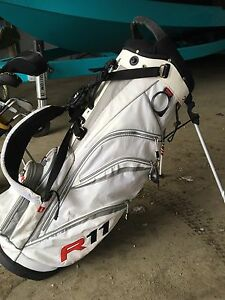 Taylor made r11 golf bag