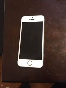 iPhone 5s white gold unlocked good condition!!!