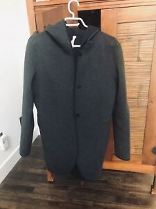 Lululemon city bound wrap size M fits 10/12