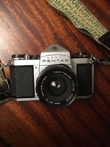 Beautiful 1964 Asahi Pentax SV 35mm SLR film camera