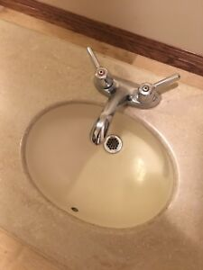 One peace molded sink