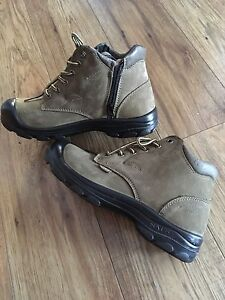 NAT women's work boots