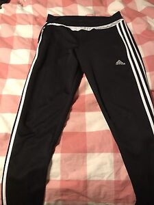 Women's Adidas soccer pant, small