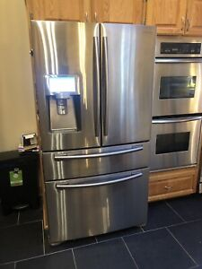 Beautiful Samsung fridge with deli drawer