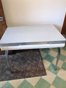 Vintage Arborite and chrome kitchen table and 4 chairs
