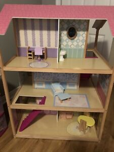 Barbie house, barbies and lots of accessories