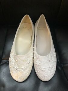 NEW Bridal or formal shoes flats