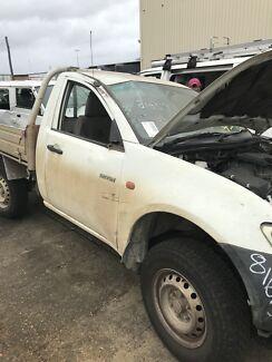Wrecking Mitsubishi triton