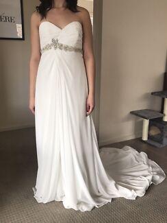 BRAND NEW NEVER WORN WEDDING/DEB DRESS