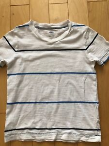 Old Navy T-shirt size 5