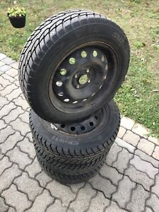Honda Civic Winter tires and wheels with hubcaps pneus d'hiver