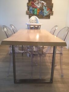 Oak Dining Room Table for sale - $600