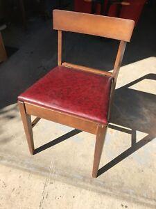 Ancienne chaise de couture