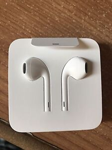 iPhone EarPods brand new