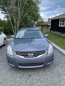 Nissan 2010 Altima 2.5 S — As is