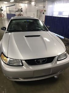 2000 Ford Mustang 2dr V6 (price reduced)